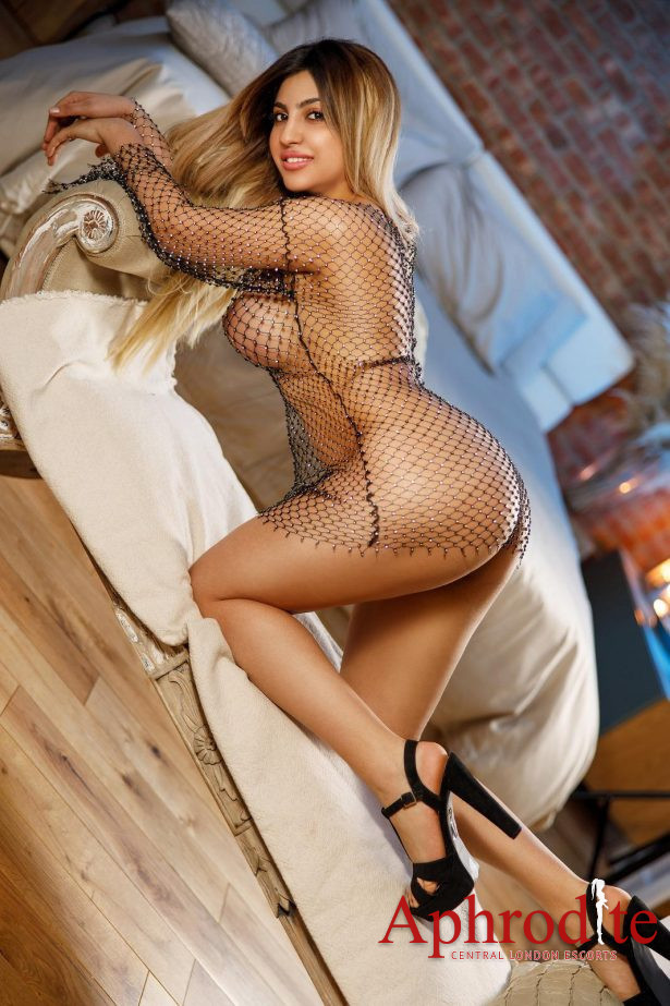 Natural Busty Abs Curvy Blonde Escort,Extremely Open Minded,Cim,Cif,Alevel,Filming,Watersport. 24/7